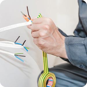 Attache pour câble électrique