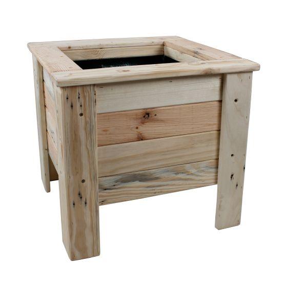 jardini re carr e sur pieds en bois de palette. Black Bedroom Furniture Sets. Home Design Ideas