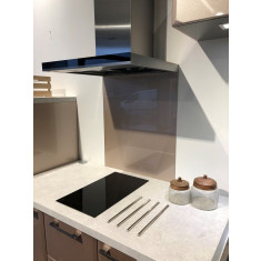 Fond de hotte verre émaillé blanc 700x600 mm - Verre trempé 6 mm avec kit de fixation - Aurys