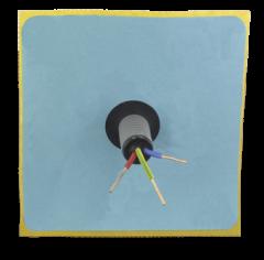 Membrane adhésive passe-conduit